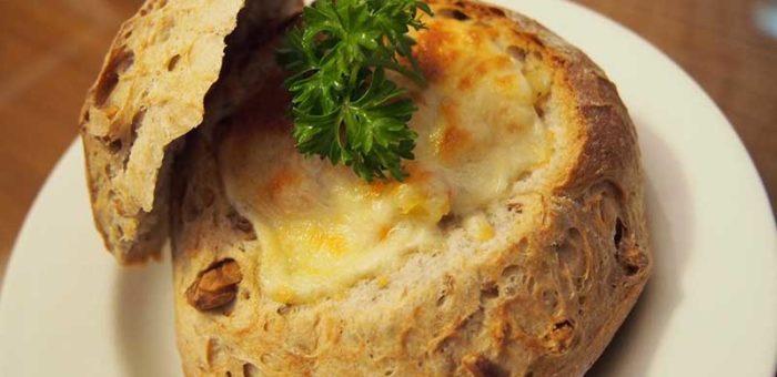 เมนูขนมปังอาหารเช้า สวรรค์ของคนรักชีส ขนมปังไส้มันฝรั่งอบชีส